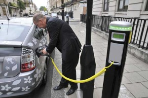 There's a misconception that all hybrid cars need to be plugged in to work.
